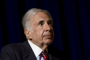Carl Icahn responds to question In NYC.